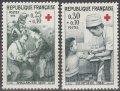 フランス切手 1966年 赤十字 野戦病院の看護婦 注射をする看護婦 2種